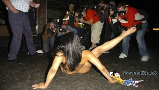 La Legge Tedesca Consente alle Ragazze di Andare in giro Nude 1 550x314