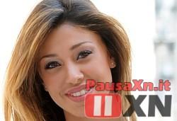 Belen Rodriguez Decide di Cambiare Religione per Sposarsi